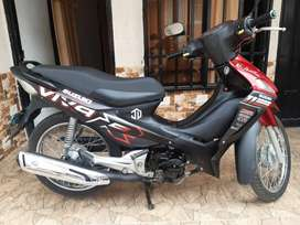 moto Suzuki viva r