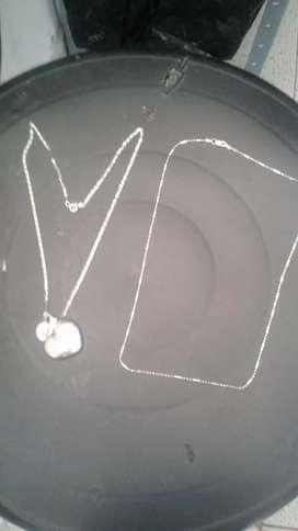 se venden cadenas de plata