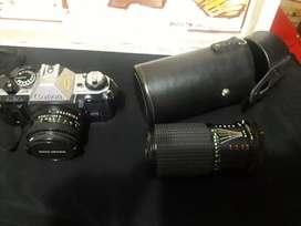 Cámara Canon con lente