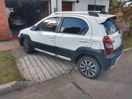 Toyota Etios Cross 2015 Excelente