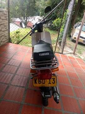 Se vende Un V8 Marca Yamaha Modelo 93 Muy Buen Estado