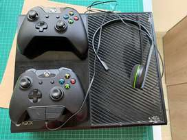 Xbox One Fat 500 Gb 2 Controles + Diadema Cables Originales