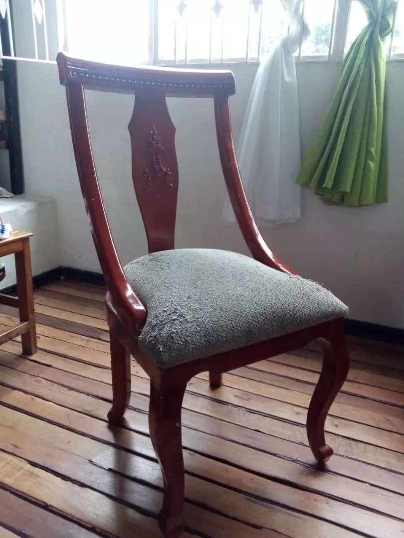 Se vende comedor de 5 silla