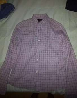 Camisa marca koaj niño talla s perfecta