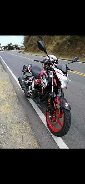Vendo moto 250 precio negociable