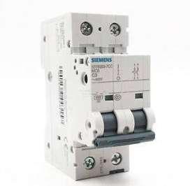 Breaker SIEMENS 5SY6203-7 (400 V 6kA, 2-pole, C, 3 A, D=70 mm).