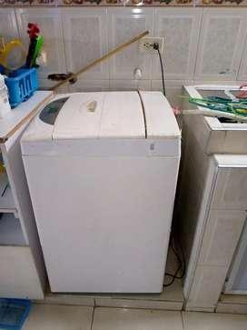 Se vende combo con lavadora LG