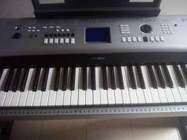 PIANO,ORGANETA digital yamahaDGX 530 GANGASO.