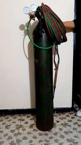 Equipo de autogena, bala de oxigeno, regulador y manguera de 12 metros