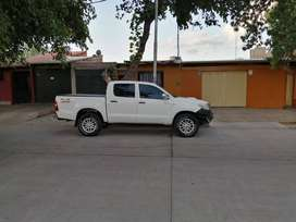 TOYOTA HILUX 4X4 2.5 DX PACK 2014