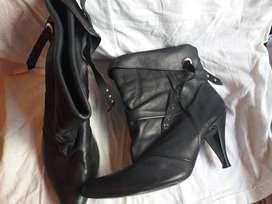 Vendo lote de  6 pares de calzado usado muy buen estado 2500 la plata