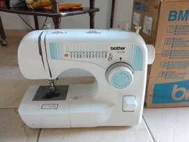Máquina de coser BROTHER BM 2700