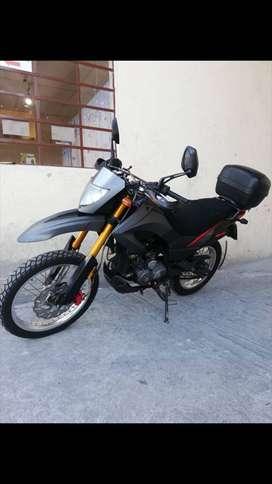 Moto TX . Motor al dia ,cauchos al dia , año 2013 buen precio inf ...llamar o wassa