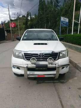 Vendo Toyota Hilux 4x4
