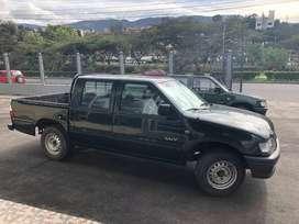 Camioneta Chevrolet LUV Doble Cabina año 2002.  Matriculada 2020.  En perfectas condiciones.