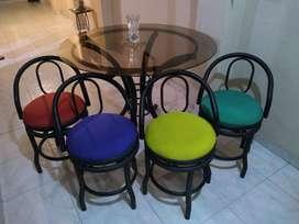Juego comedor pequeño, sillas giratorias