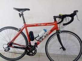 Bicicleta de ruta GW talla L
