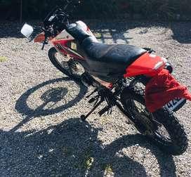 Vendo moto marca Pegasso, motor 200