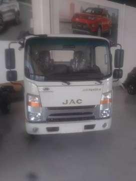 Camión JAC JHR con capacidad de carga 2.8 toneladas