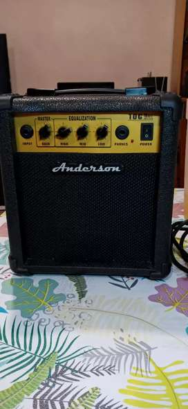 Amplificador para guitarra Anserson de 10 watts muy poco uso