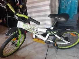 Se vende hermosa bicicleta para niño