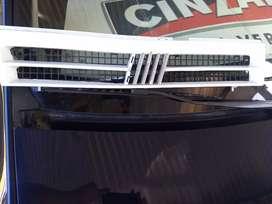 Parrilla de Fiat uno/ duna