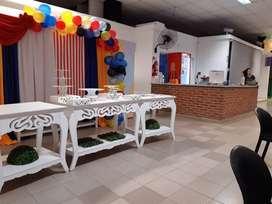 Mesas para decoración, caladas.