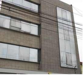 Alquilo o vendo edificio de oficinas con almacén en pleno centro de Surquillo