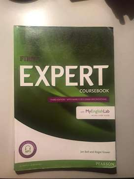 vendo libro Expert First Coursebook