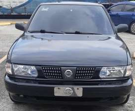 Carro B13 Sentra (negociable)