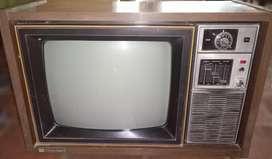 Tv Antiguo Vintage 17 Pulgadas Toshiba Se-al 17 Años 70