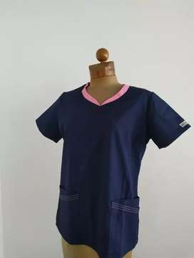 Uniforme médico mujer talla M UA Scrubs ( Fabricante de Cherokee, Dickies) segunda mano  Lagos I
