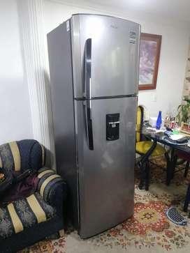 Nevera MABE No Frost 300 Litros RMA300FYCU