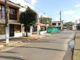 Arriendo Casa de dos pisos con Local comercial GUATAPE II