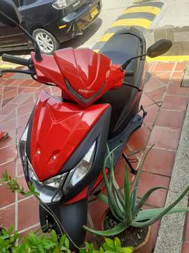 Vendo moto casi nueva.
