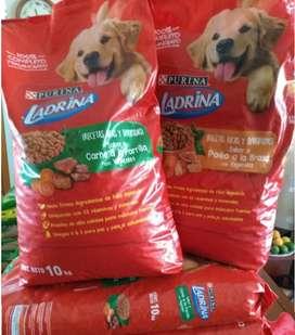 Remate de Alimento para perros Ladrina por 10 kilos
