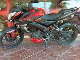 Vendo moto Rouser 2019