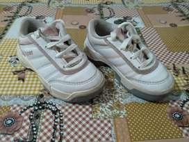 Vendo zapatillas Topper usadas