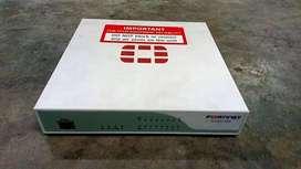 Fortinet FortiGate 90D FireWall USADO Marca
