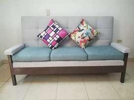 Vendo sofa especial tv. Instructura metalica