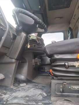 Vendo volquete Volvo NH totalmente operativo