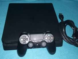 Se vende Playstation 4