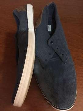 Zapato casi nuevo