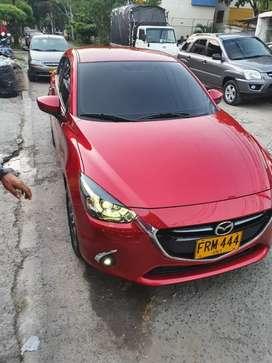 Carro Mazda 2