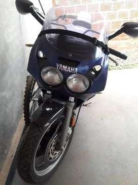 Vendo Yamaha 600 mod 90 $600mil