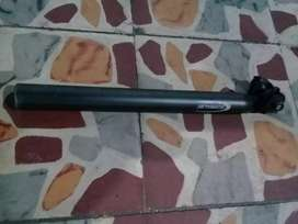 Poste sillín...35 cm largo.. 3 cm de diametro