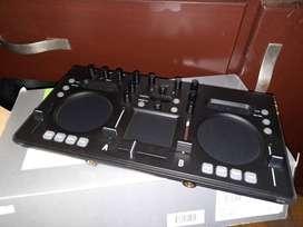 MEZCLADOR KORG KAOSS DJ - AUDIFONOS SENNHEISER HD6
