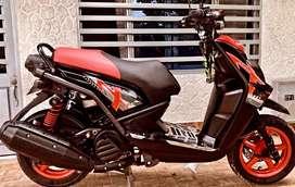 Hermosa bws motard