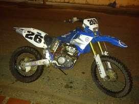 Vendo moto Yamaha