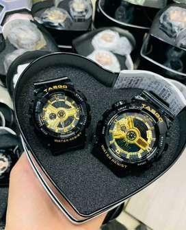 Hermosos parejas de relojes